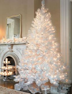Albero Di Natale Nero E Oro.Idee E Addobbi Per Un Albero Di Natale Bianco Blog Buoni Sconto Coupon