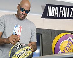 Vinci gratis un pallone NBA autografato da Ron Harper