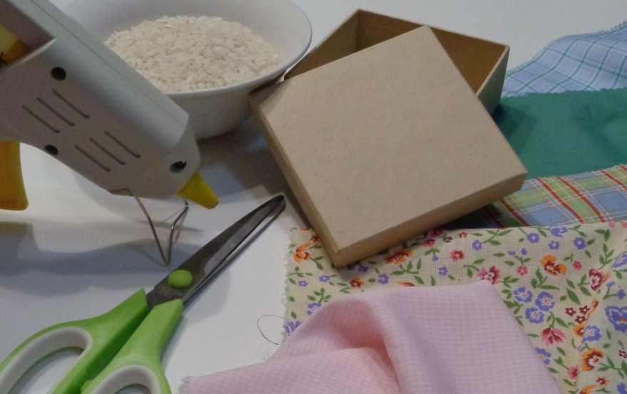 scatola porta anelli materiale