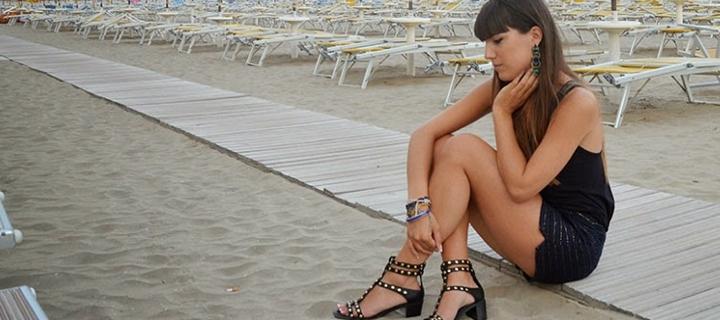 Il look perfetto per un aperitivo in riva al mare - Blog Buoni ... c5b07ede303