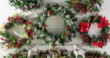 una collezione di allegre decorazioni natalizie fai da te