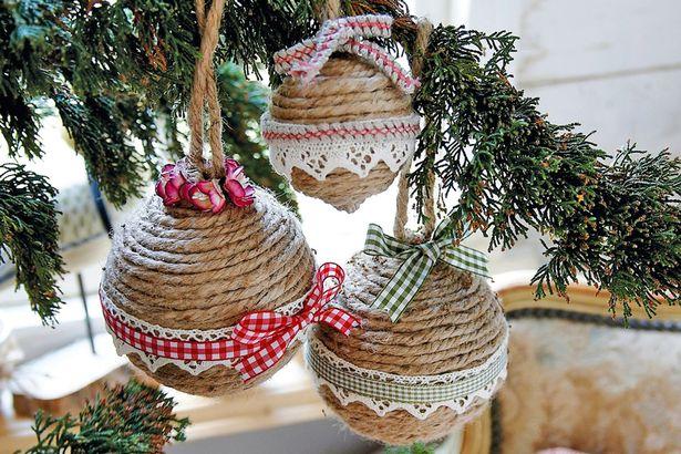 rustiche decorazioni natalizie fai da te per il tuo albero campagnolo