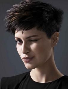 variante rock dei tagli di capelli corti
